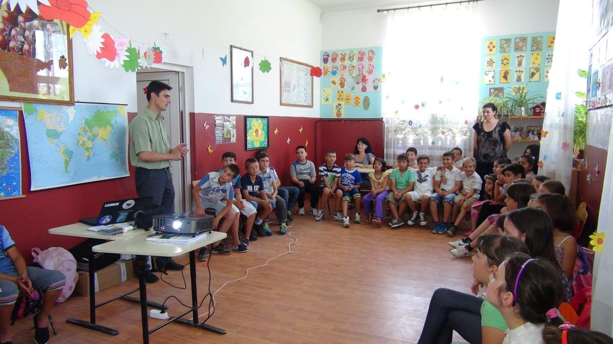 Prelegeri la Scoala Mihai Bravu